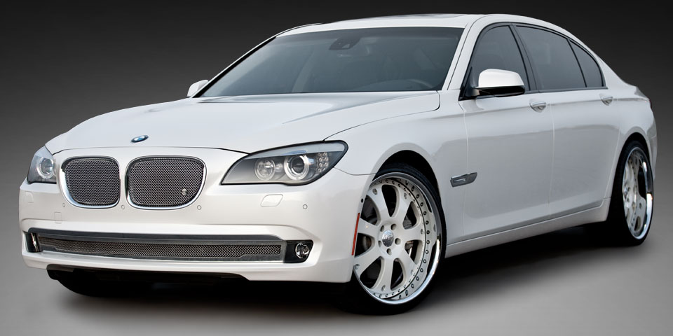 STRUT Handcrafted Custom Grille Wheel And Accessory For Luxury